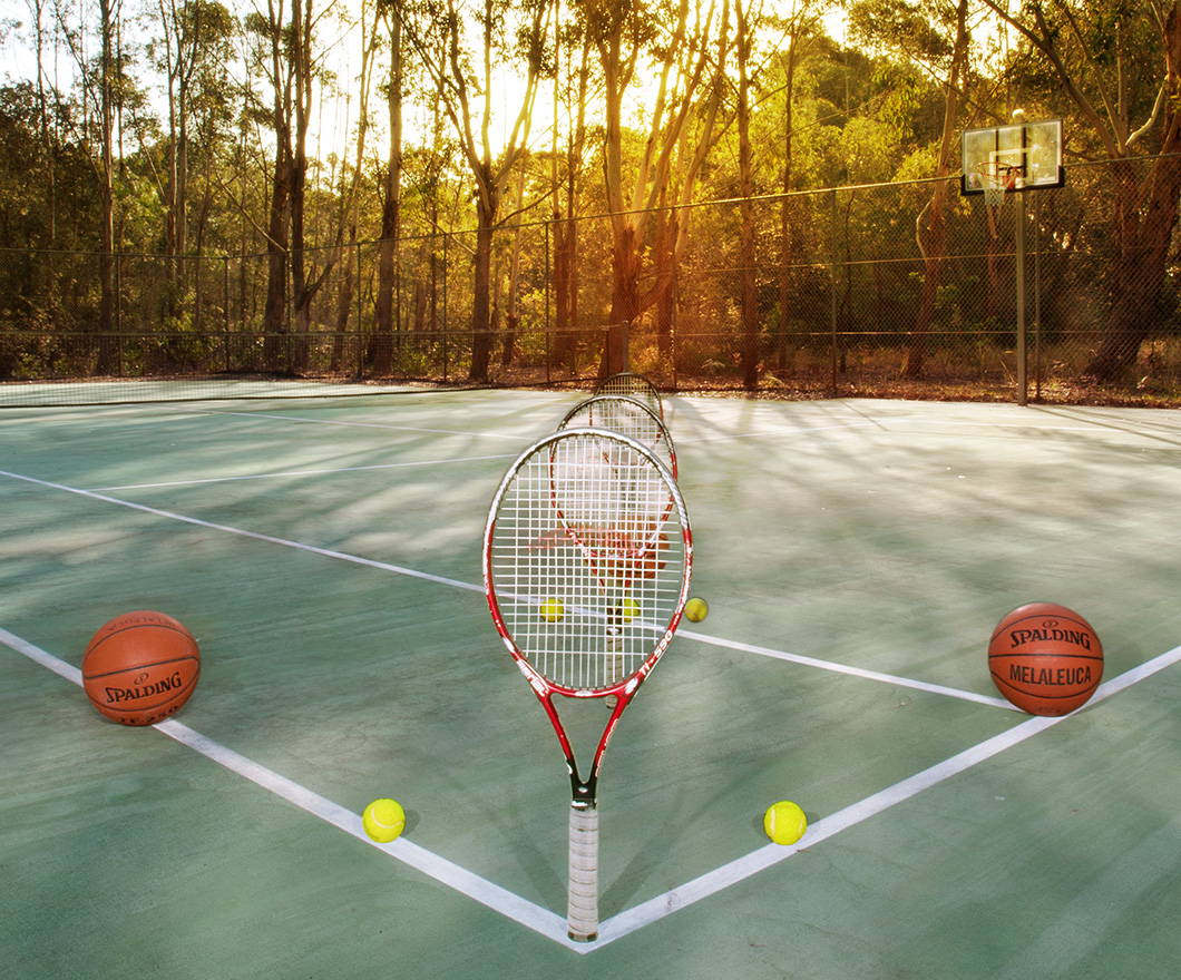 Melaleuca Seaside Retreat - Tennis Court with Racquets and Balls